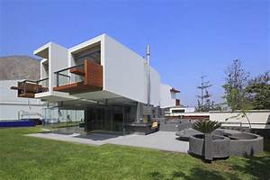 The Elegance And Functionality Of Cantilever Architectural