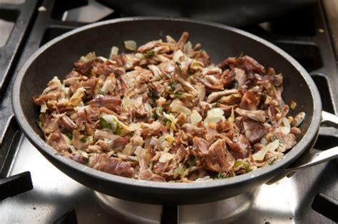 cuisine russe pirojki pirojki chaussons russes au chou et à la viande la