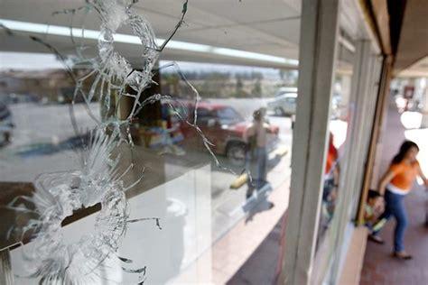 narco novels  mexican drug capital la plaza los