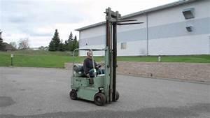 Lot 84 - Yale Forklift