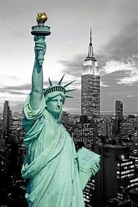 Bild New York Schwarz Weiß : new york freiheitsstatue colourlight poster 61x91 5 ~ Bigdaddyawards.com Haus und Dekorationen