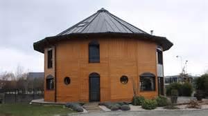 la maison de c 232 dre des maisons rondes 224 ossature bois