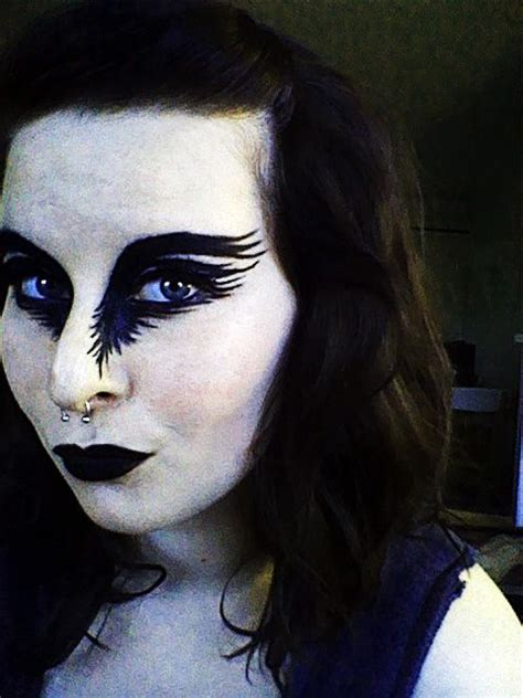 raven bird eye makeup
