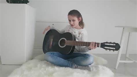 fuer kinder gitarre spielen leicht erklaert youtube