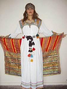 robe kabyle avec ceinture et bijoux kabyles en argent With robe traditionnelle kabyle