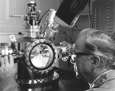 Auger electron spectroscopy - Wikipedia