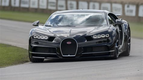 103 ft top speed : Watch the 1,480-hp Bugatti Chiron tackle the Goodwood Hillclimb