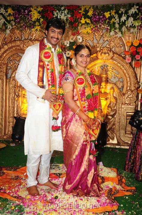 picture  aryan rajesh subhashini wedding stills