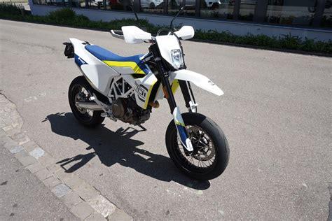 Motorrad Mieten Husqvarna 701 Supermoto Emil Weber Motos