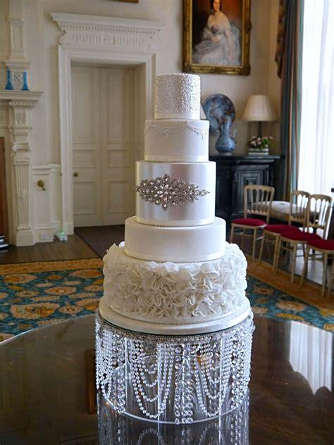 buttercup cakes beautiful bespoke wedding celebration