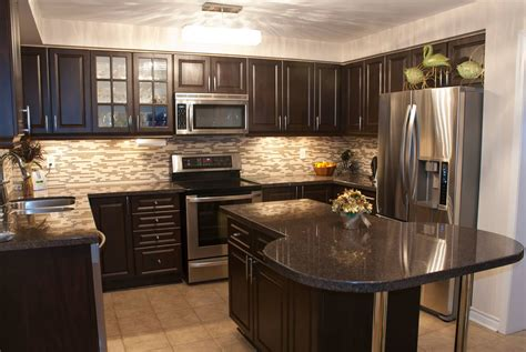 what color countertops go with cabinets kitchen