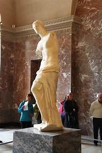 Venus de Milo, Louvre Museum - Travel Moments In Time ...