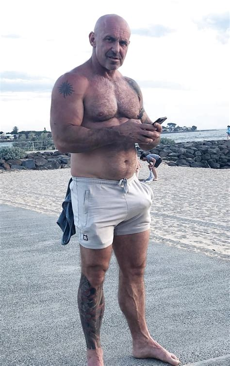Sexy Muscle Daddy With A Huge Boner 1 Pics