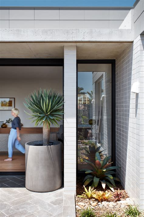 Traditional Home Turns by This Sydney Home Turns The Traditional Aussie House On Its