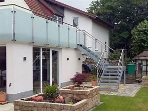 Metallbau fur den innen aussenbereich treppen for Französischer balkon mit wendeltreppe garten
