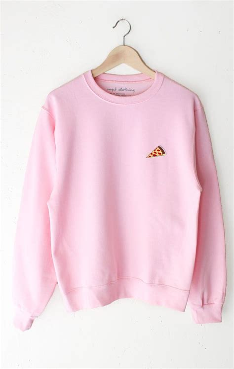 fuchsia sweater 25 best ideas about pink sweater on pink