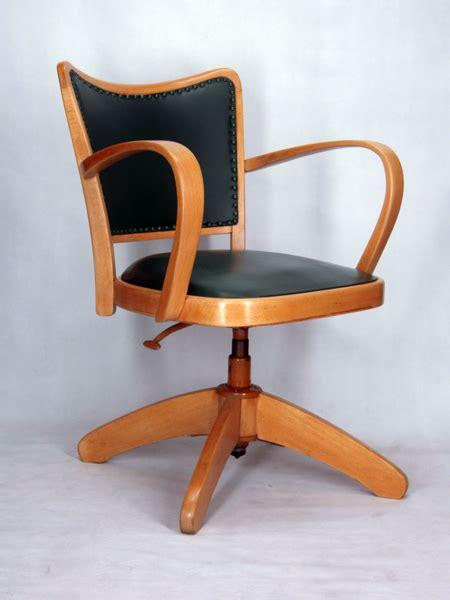 chaise de bureau bois chaise a accoudoirs fauteuil bureau tournant 1950 vintage