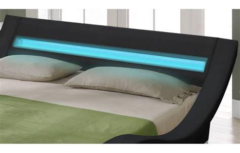 chambre lit noir lit king size noir 180 cm avec sommier et bande led