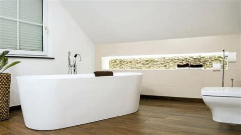 Kleines Bad Ideen Dachschräge by Badgestaltung Kleines Bad Mit Dachschr 228 Ge