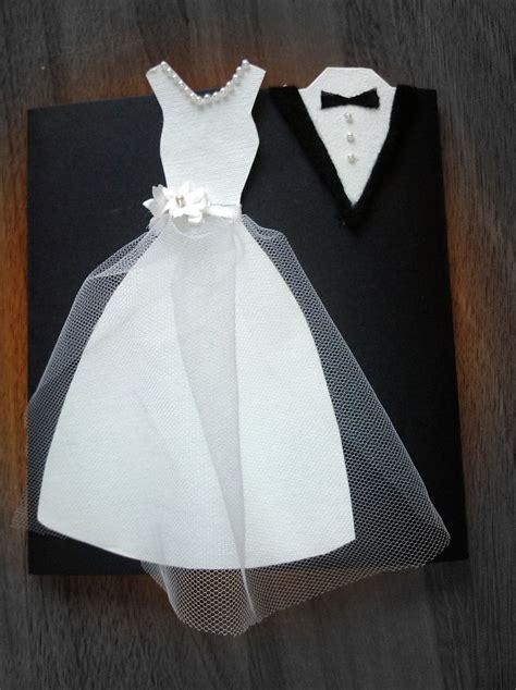 vestido de la novia hecho en papel tela tul perlitas