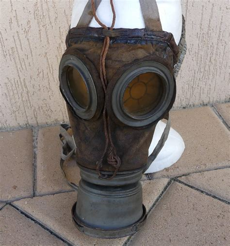 ww german gas mask canister