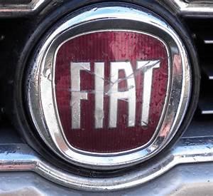Fiat 500 Hybride : logo fiat bravo fiat forum marques ~ Medecine-chirurgie-esthetiques.com Avis de Voitures