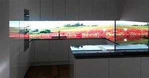 Hinterleuchtete kuchenwand aus glas homogen beleuchtet for Küchenwand glasplatte