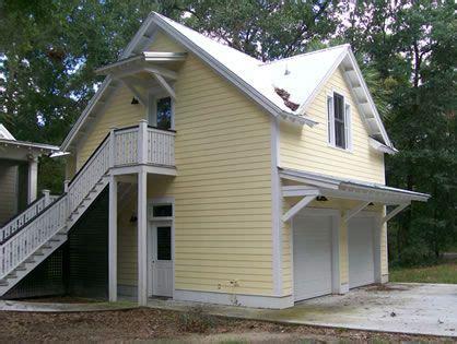 craftsman style  car garage plans   studio upstairs garage apartments carriage house