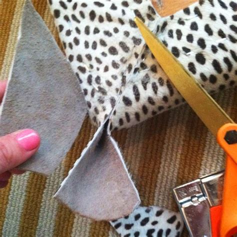 How To Do Upholstery Corners by 25 Best Ideas About Padded Bench On Diy Shoe