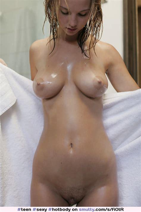 Teen Sexy Hotbody Girlfriend Nude Naked Wet Blonde