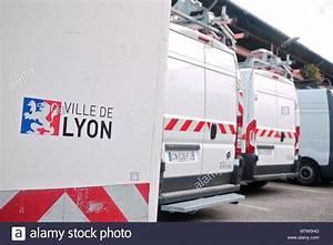Dhl Lyon 7 : vans logo stock photos vans logo stock images alamy ~ Medecine-chirurgie-esthetiques.com Avis de Voitures