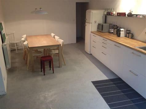 meuble a balai pour cuisine réaliser soi même un béton ciré travaux maison