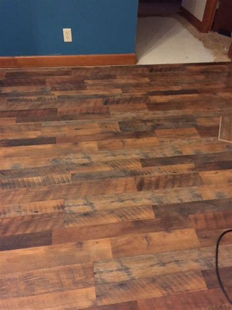 floor   pergo max river road oak lowes home