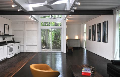 Shipping Container Home by Julio Garcia