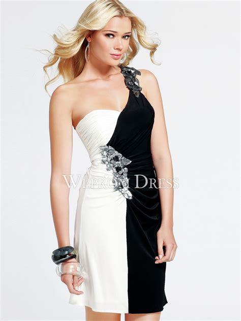 robe mariage chetre chic invite robes 233 l 233 gantes robes chic noir et blanc