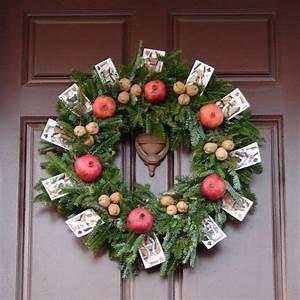 Rosen Für Türkranz Basteln : die besten 25 dekoration weihnachten tannenzweige ideen ~ Lizthompson.info Haus und Dekorationen