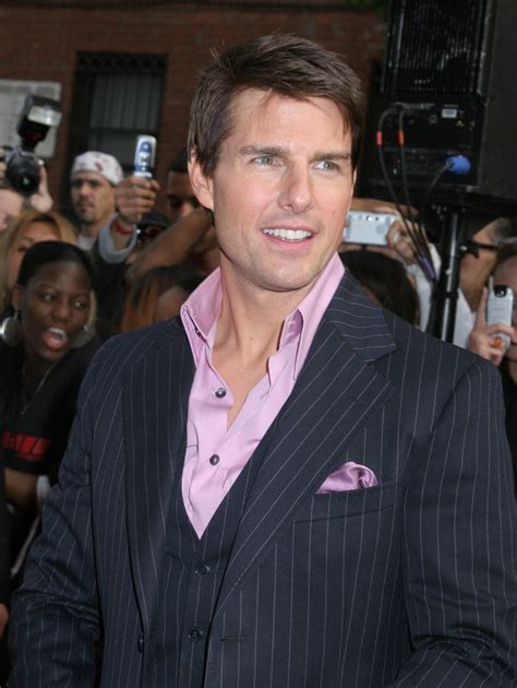 tom cruise sporting  haircut   elongated fringe