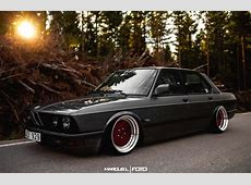 Flawless BMW E28 StanceNation™ Form > Function