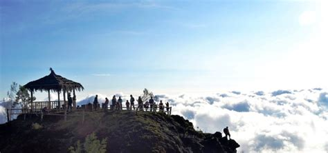 sikunir hill    catch   sunrise dieng