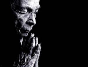Old Woman Praying - Christian Wallpaper   Wisdom of Old