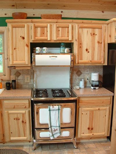 Cabinets Knotty Pine by How To Select Knotty Pine Kitchen Cabinets Cabinets And