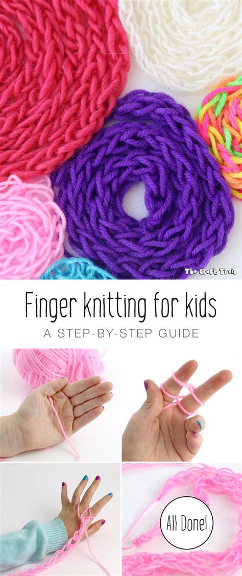 finger knitting  kids  craft train