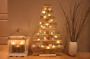 great wedding ideas last minute diy decorations candles lights chains wooden tree