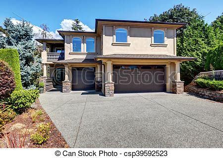 Stock Foto Von Brauner, Türen, Haus, Garage, Luxus, Außen