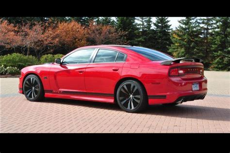 2013 Dodge Charger Srt8 Gets Old School With 392