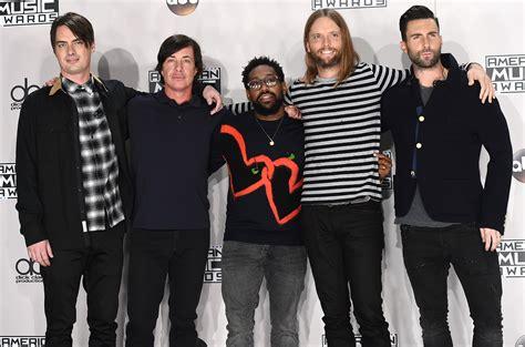 maroon 5 billboard listen to maroon 5 s new song with future cold billboard