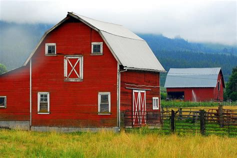Red Barns Photograph By Mamie Gunning
