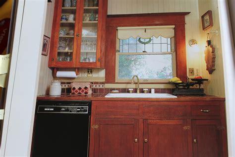 Bungalow Kitchen Faucets