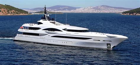 super yacht brokerage luxury yacht brokers fraser yachts