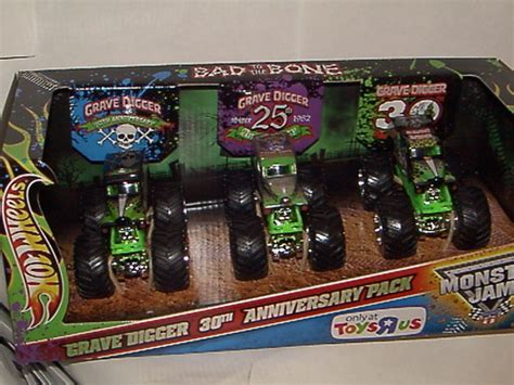 grave digger 30th anniversary monster truck toy amazon com 2012 wheels monster jam anniversary set